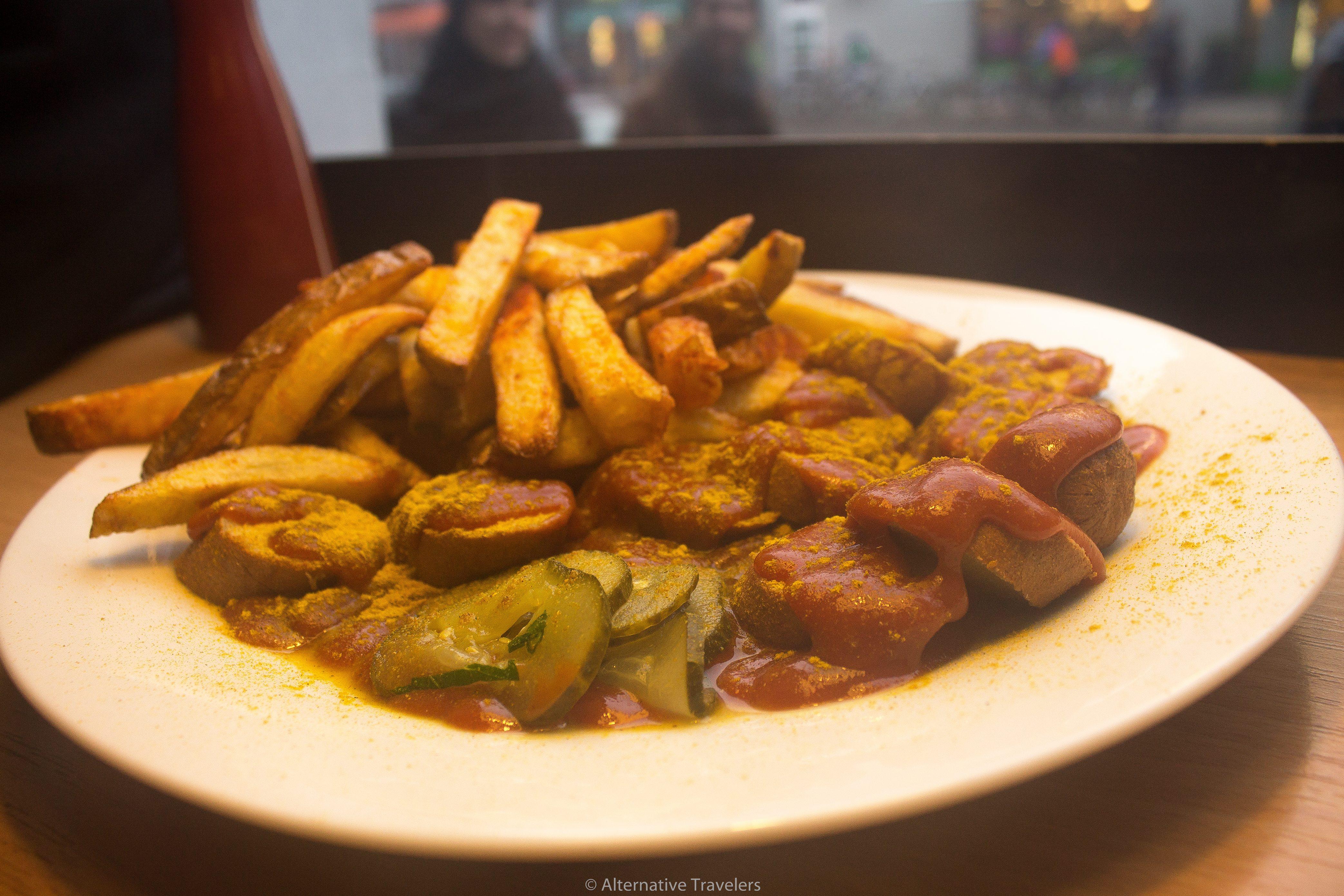Vegan currywurst in Berlin at Voner