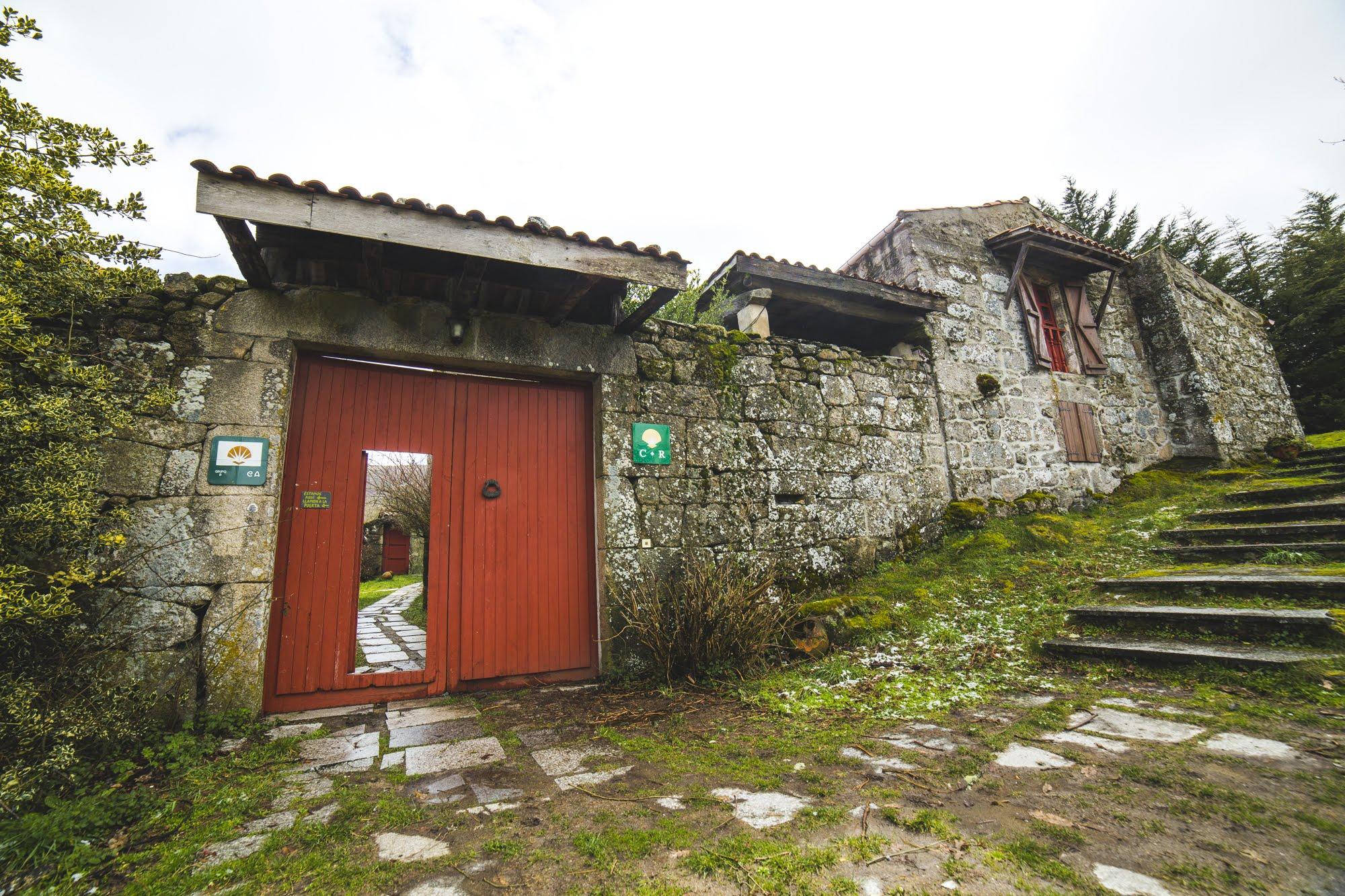 Caserio-da-Castiñeira-entrance