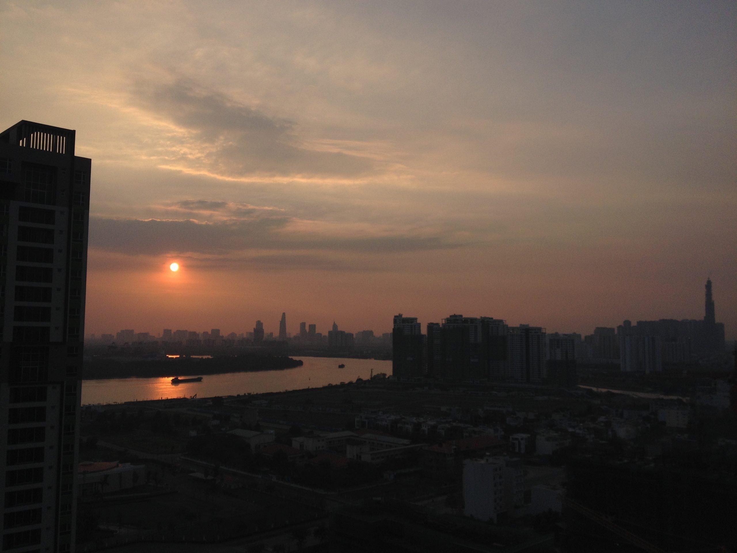 saigon-sunset-by-ryan-patey