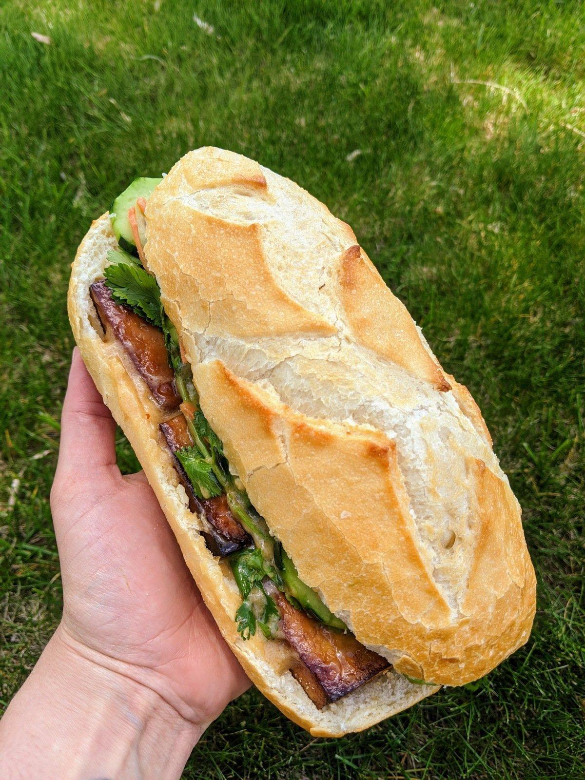 a vegan bahn mi sub